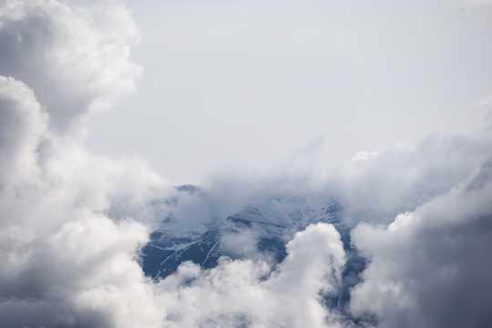 浓浓的云海图片