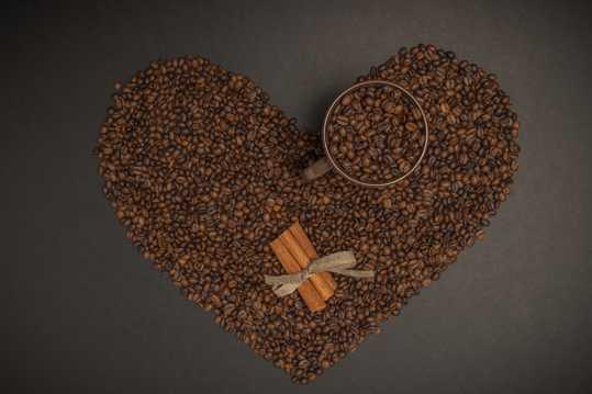 个性咖啡豆摆拍图片
