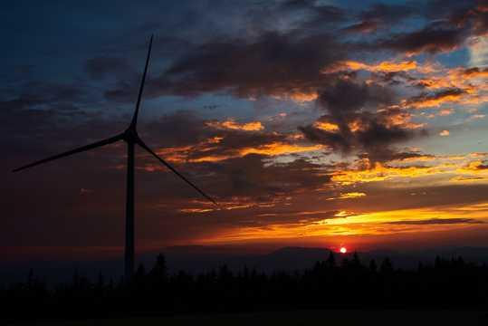 夕阳西山自然风光图片