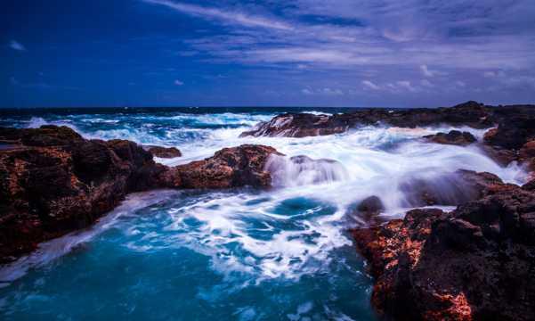 惊涛骇浪海岸景观图片