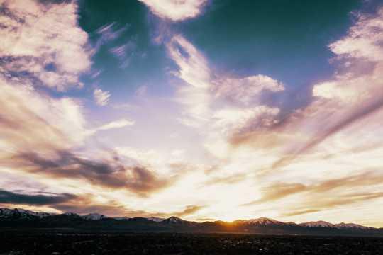 天空云彩唯美景物图片