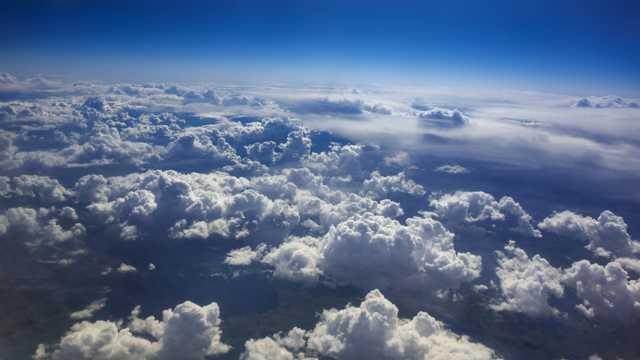 壮观的空中云海航拍风景