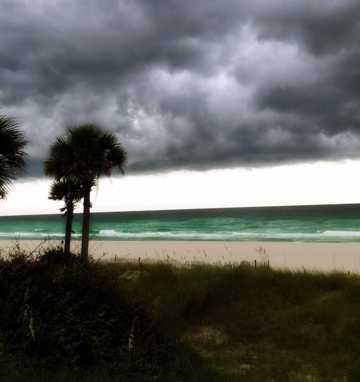 暴风雨前的沙滩