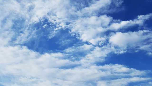 蓝天云层桌面壁纸