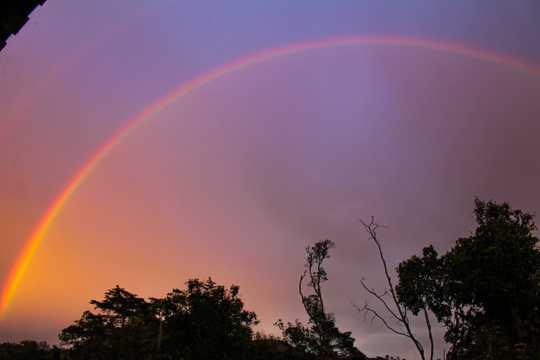 彩虹天空唯美图片