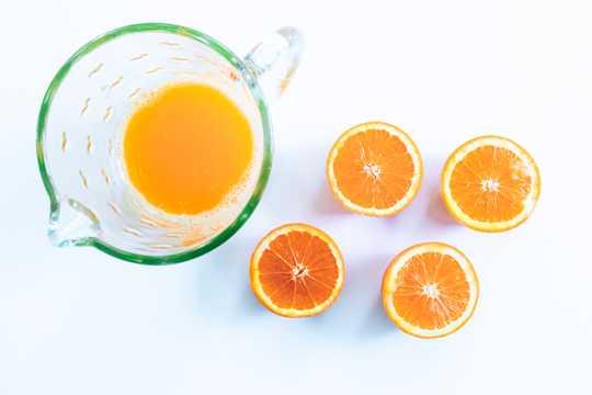 切块的橙子