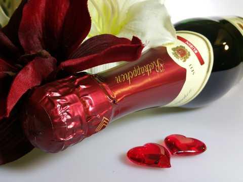 花卉与红酒图片