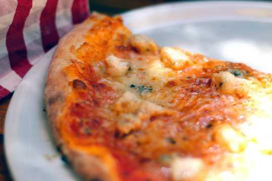 美味可口的披萨