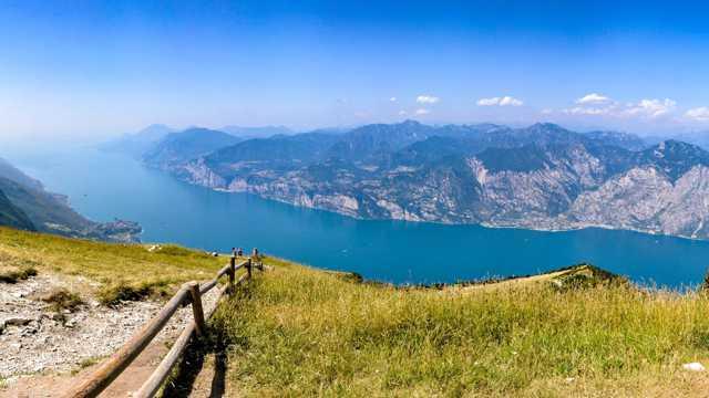 意大利加尔达湖风光图片