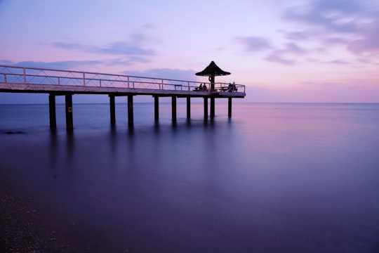 梦幻的海滨残阳唯美风光