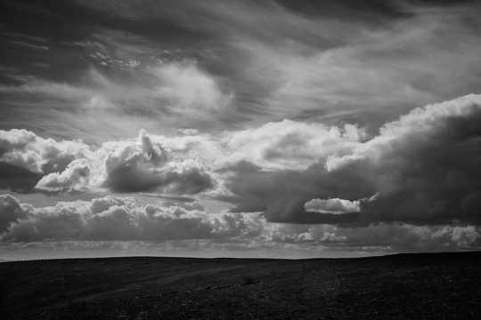 低空云团灰度图片