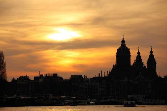 夕阳下的阿姆斯特丹