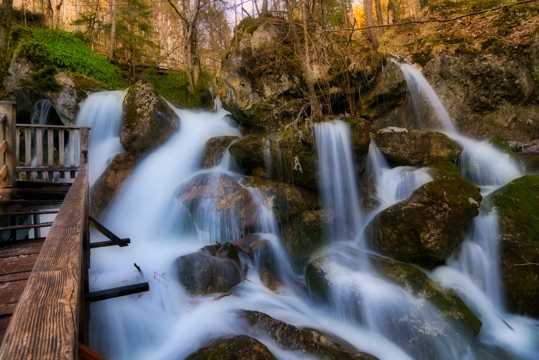 好看的瀑布景观图片