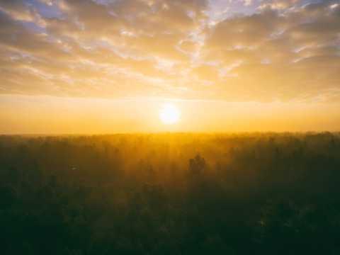 朝阳黄昏高清图片
