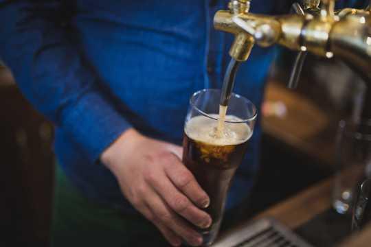 清爽好喝的啤酒图片