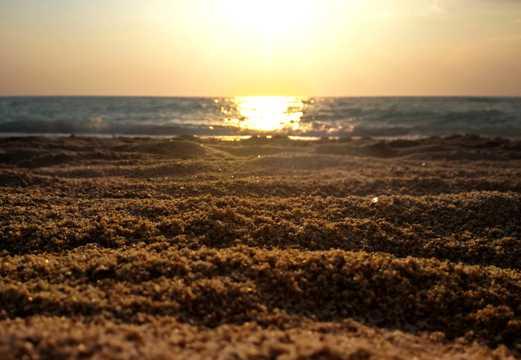 壮丽的海上日出